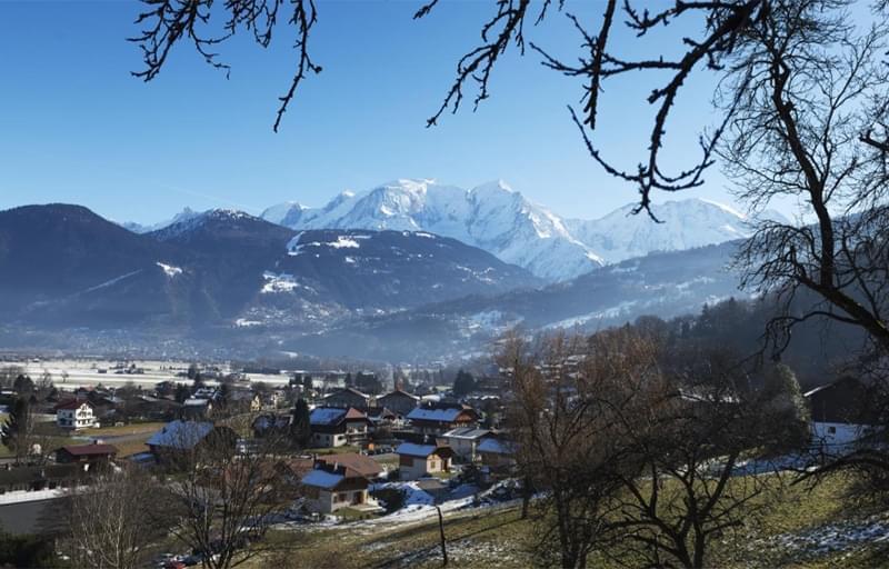 Résidence à Domancy Vues sur le Mont Blanc, Proche transports en commun, Proche écoles et commerces,