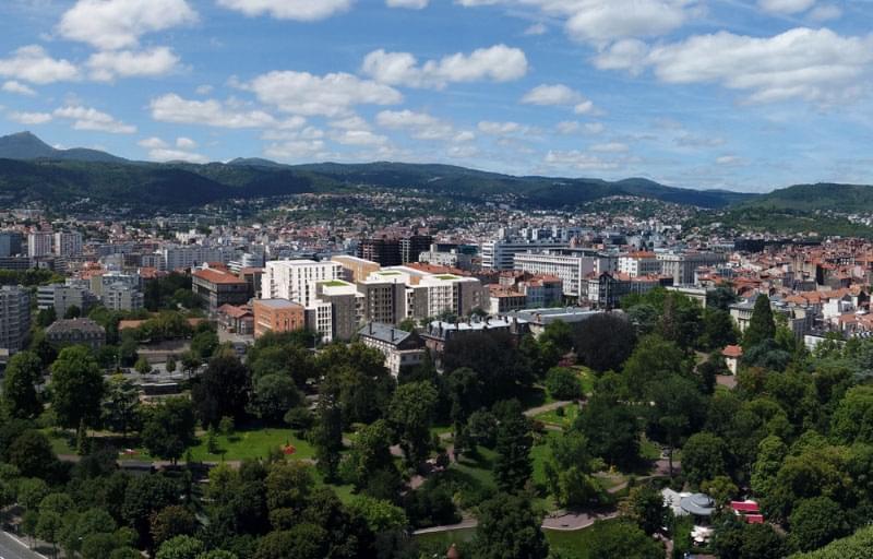 Résidence à Clermont-Ferrand Proche commerces et services, Proche du jardin Leqoq et de la place de Jaude, Terrasses à ciel ouvert aux derniers étages,