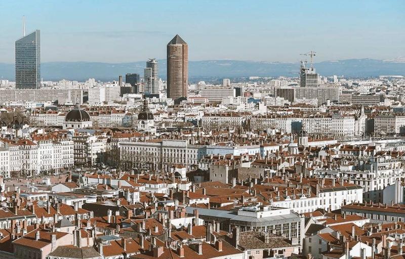 Résidence à Lyon 5 Arrêt de bus au pieds de la résidence, A 5 minutes de la place Bellecour, Belle opération de deficit foncier,
