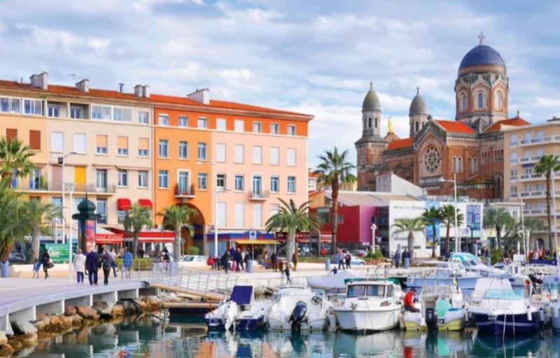 Résidence à Saint-Raphaël Proche des plages, Proche des golfs, Spacieuses terrasses,